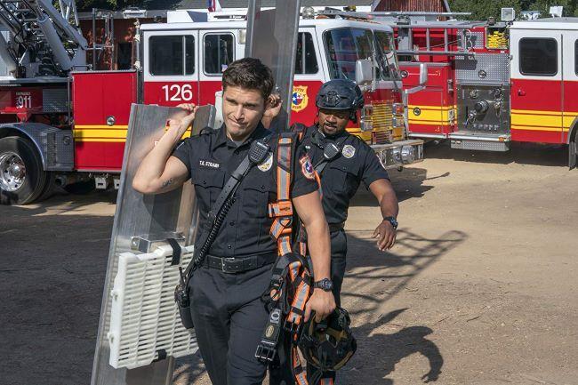 911: Одинокая звезда 2 сезон — дата выхода сериала