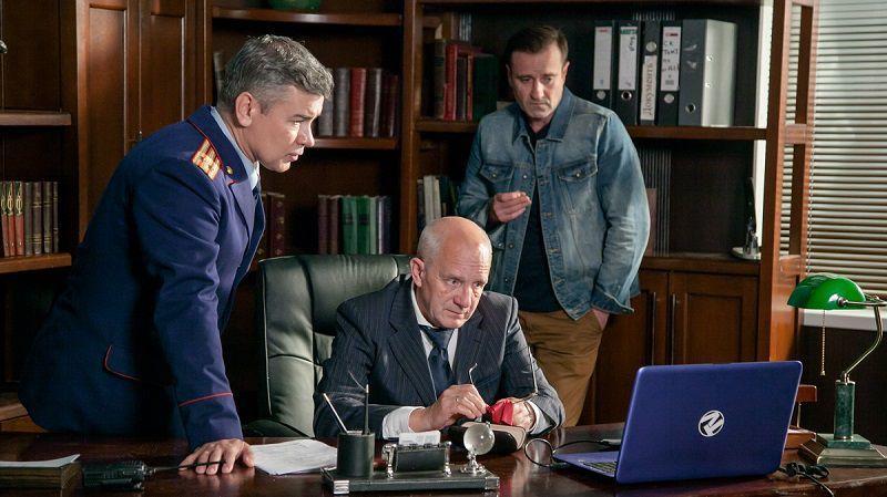 """Кадр из сериала """"Полицейский роман"""""""